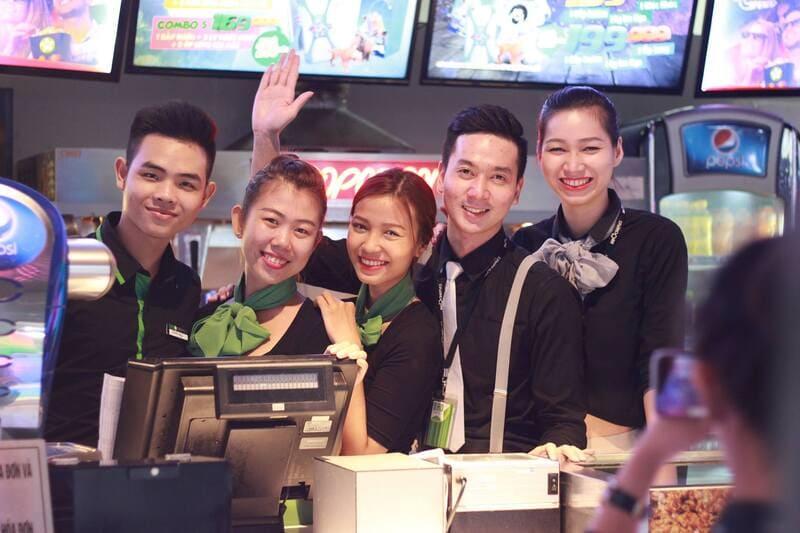 nhân viên bhd star cineplex