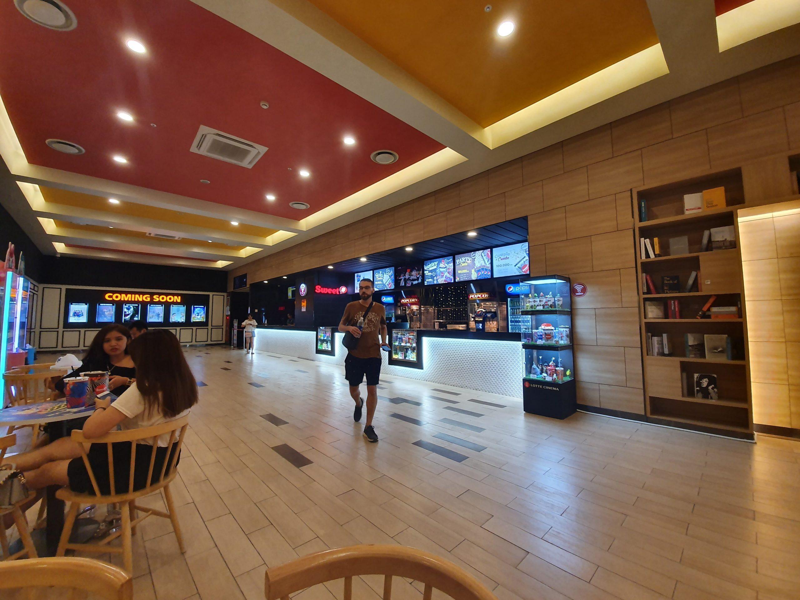 không gian rạp lotte cinema nam định